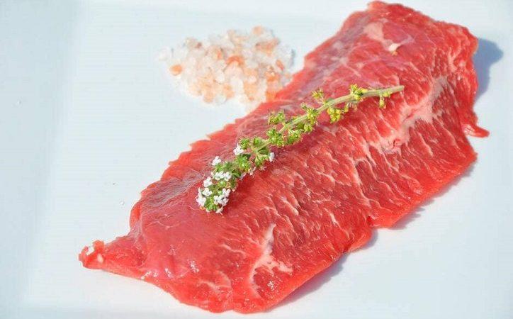 Ein Steak, das von amerikanischen Forschern aus menschlichen Zellen hergestellt wurde