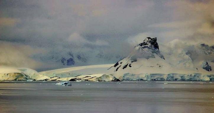 Neue Daten zu Unterwasservulkanen in der Bransfield Strait, Antarktis