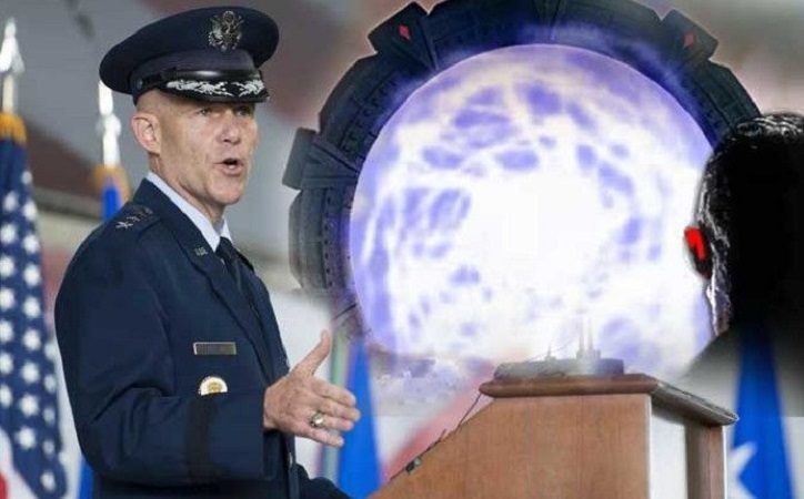 """USAF, General S. Kwast erklärt: """"Es gibt"""" STARGATE """"-Technologie, um Menschen von der Erde an jeden Ort zu transportieren."""""""